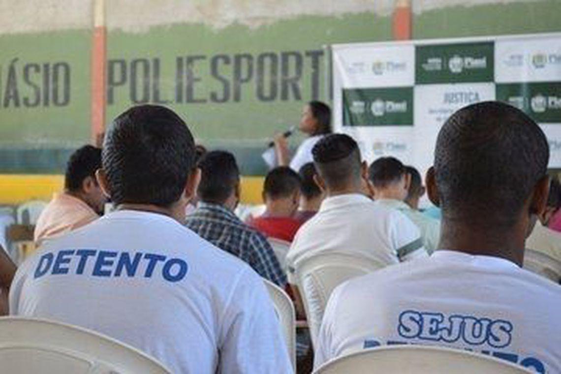 detentos_fazem_prova_do_enem_-_arquivo_agencia_brasil