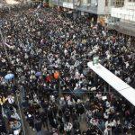 Milhares de pessoas voltam às ruas para protestar em Hong Kong