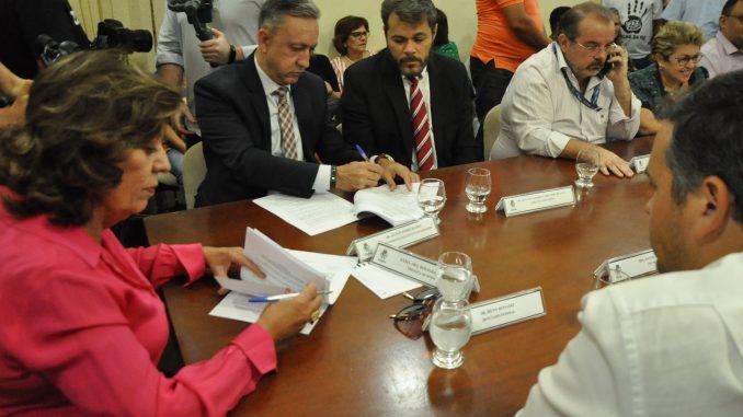 Prefeitura de Mossoró assina convênio com a CEF para serviços de pavimentação de vias e recuperação do Museu Lauro da Escóssia