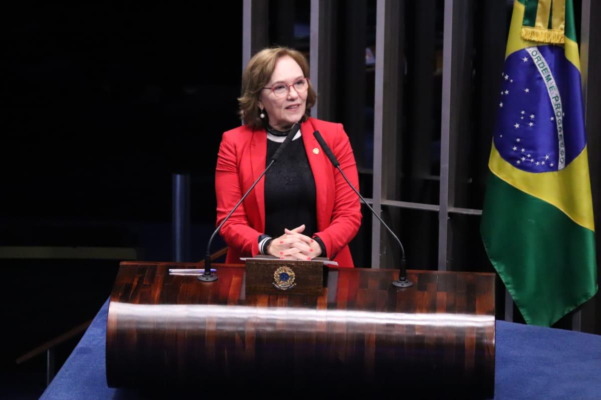 Senadora Zenaide Maia no plenário