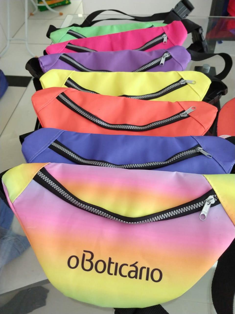 Quer ganhar uma pochete linda? Corre e segue o instagram @oboticarioapodi e concorra pra sair linda nesse carnaval.