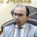 Sandro lamenta veto da Prefeitura a projeto que beneficia população de rua