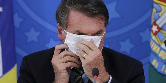 Covid-19: Bolsonaro é denunciado por crime contra a humanidade em corte internacional