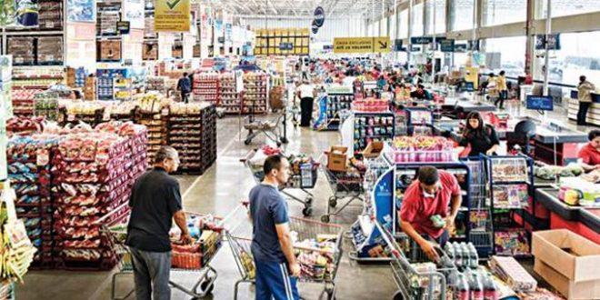 Supermercados contratam e traçam planos de expansão